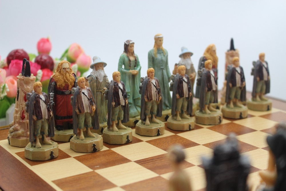 wooden board chess set resin dolls chess set the lord of the rings series mold classic