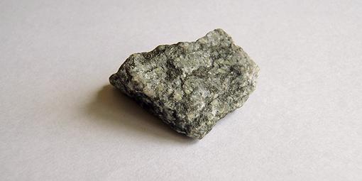 Анделит-камень. Фото Тимура Ясинского.